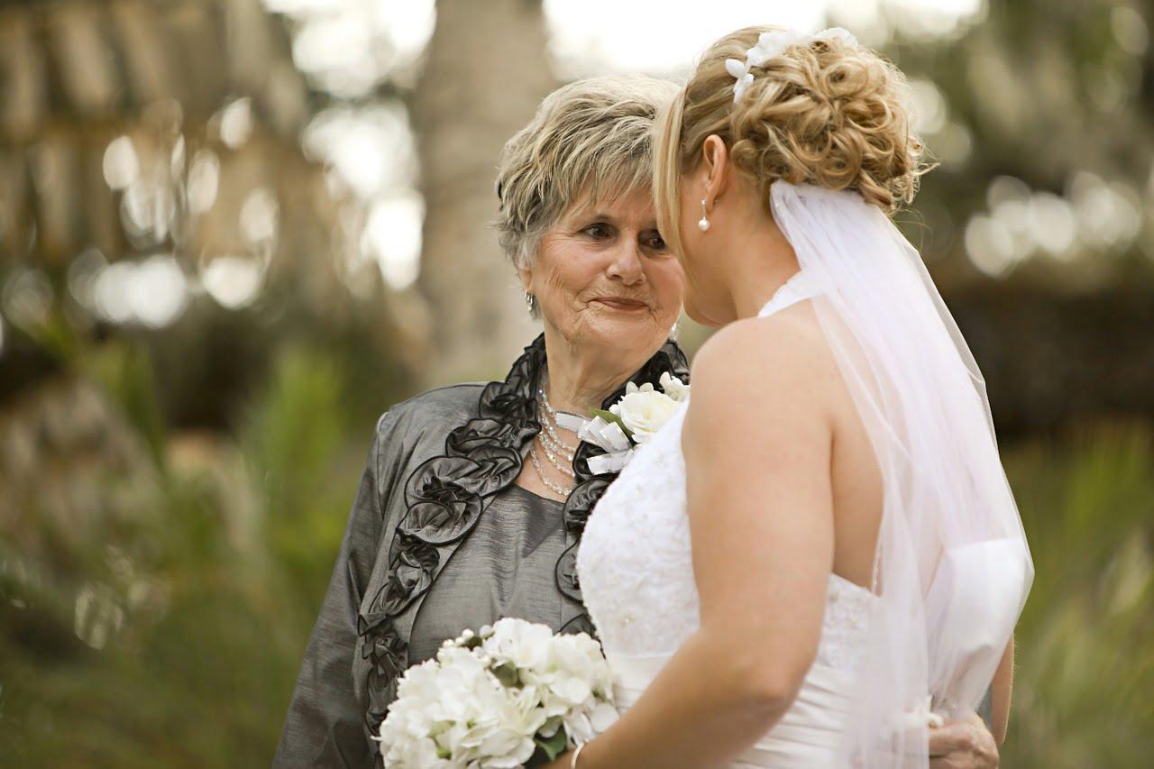 woman elderly women's advice