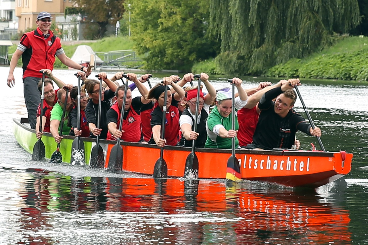dragon boating people